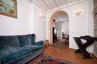 Home agency rental elegant apartment in Florence