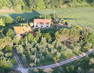 Farmhouse Tuscany between Florence Siena
