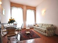 Short term apartment rentals Florence